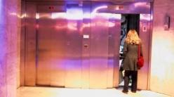 Rémi_Gaillard_elevator